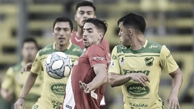 Argentinos salvó un punto y ahora colidera la Superliga