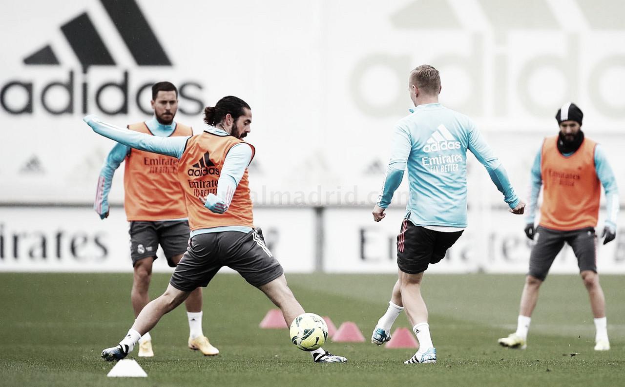 Hazard entrena pero no va convocado frente al Barcelona