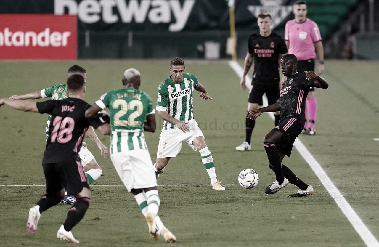El Madrid vuelve a casa victorioso y deja a un Betis (Var)stante decepcionado