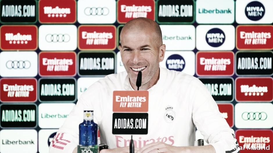 """Zidane: """"Falta un mes y vamos a pelear hasta el final"""""""