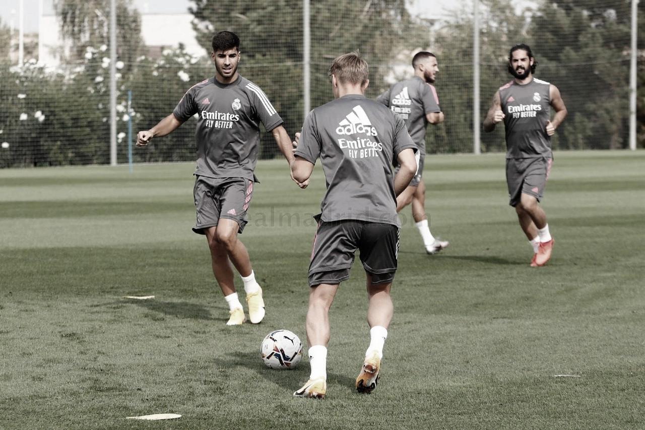 Entrenamiento en la Ciudad Real Madrid: físico y balón