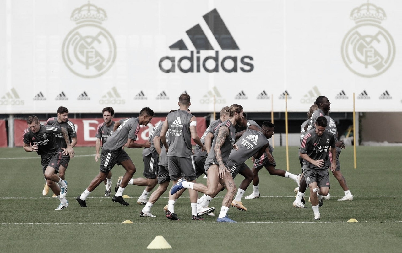Zidane planea su once a falta de varios lesionados