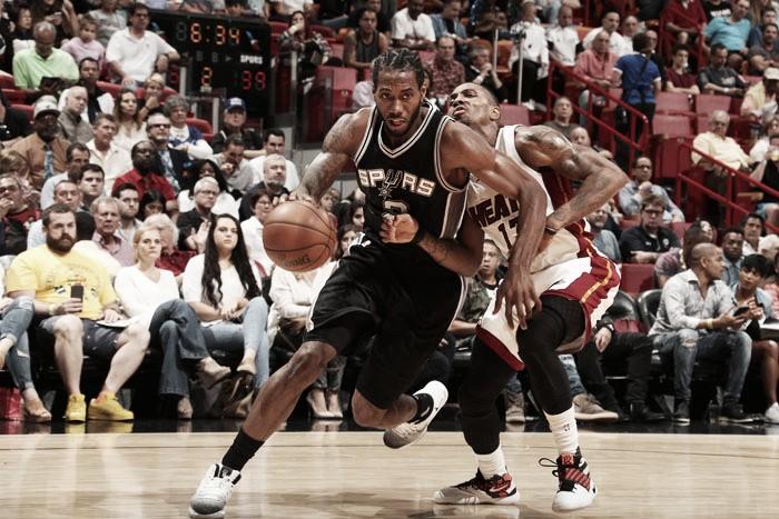 Com segundo tempo equilibrado, Spurs supera Heat e conquista quarta vitória na temporada