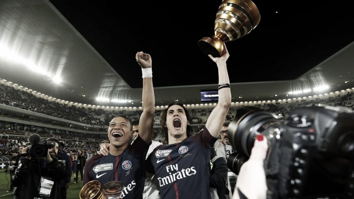Cavani visa continuar 'história de amor' com PSG; Daniel Alves conquista 37º título na carreira