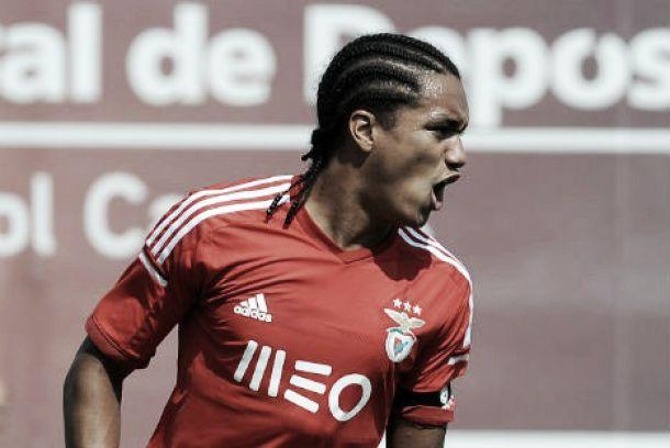 Hélder Costa assina «hat-trick» na goleada imposta ao Olhanense