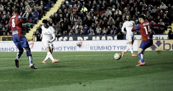 Zidane falha revolução e Real Madrid é travado no Bernabéu