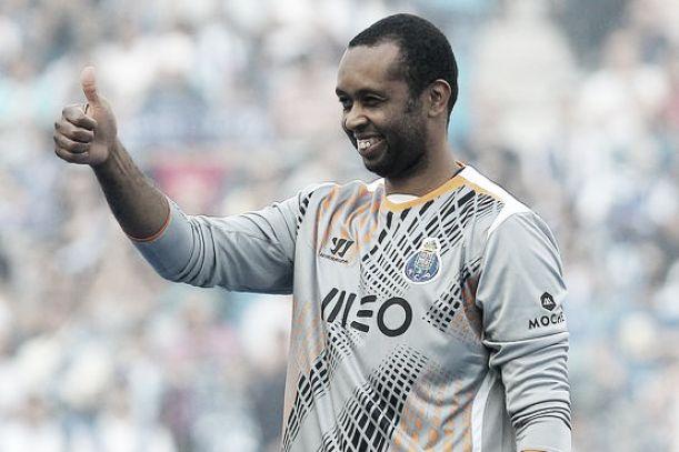 Helton renova com o FC Porto