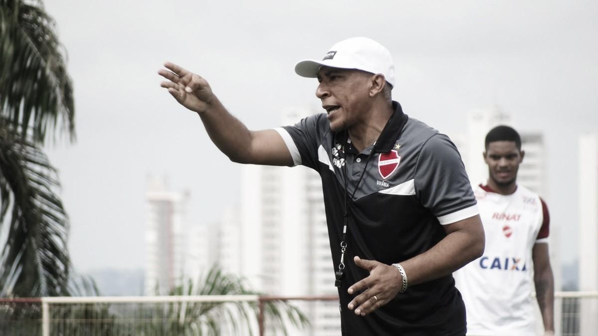 """Hemerson Maria exalta vitória do Vila Nova ante Itumbiara: """"Para recuperar confiança"""""""