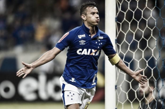 Cruzeiro bate Grêmio com gol de Henrique e encerra jejum de vitórias