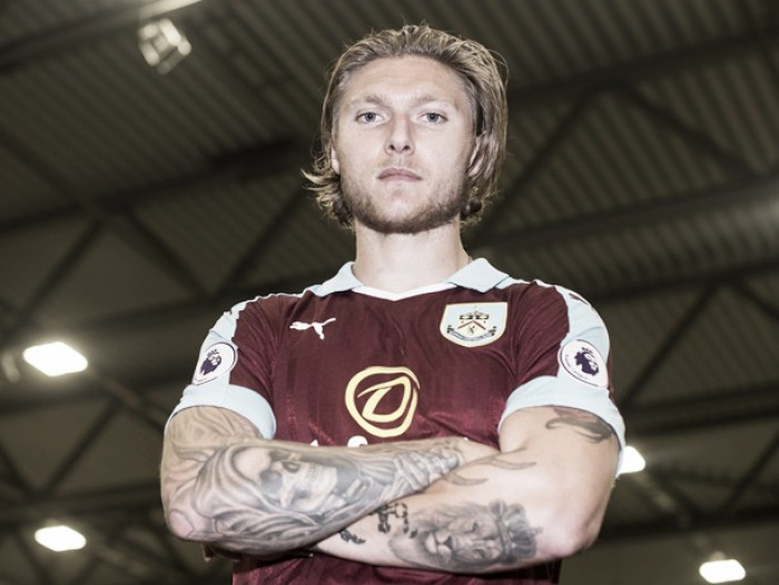 Burnley complete Jeff Hendrick signing