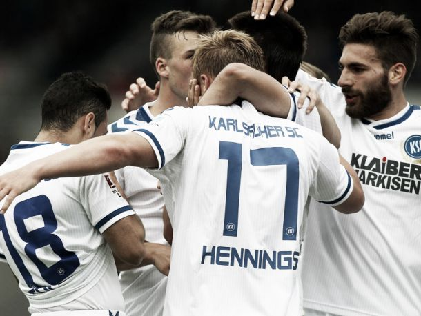 Eintracht Braunschweig 0-2 Karlsruher SC: Hennings at the double as KSC move into promotion-playoff spot
