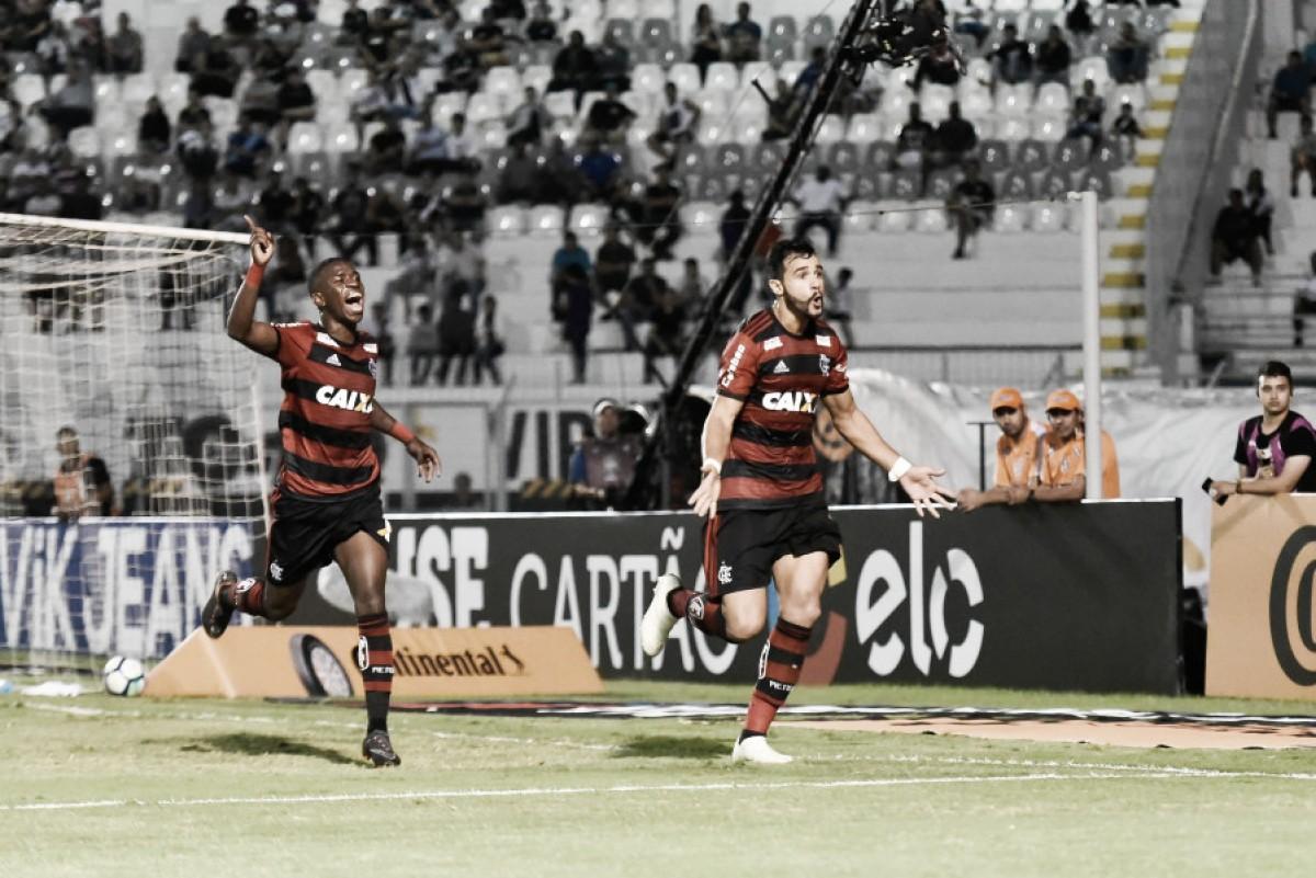 Dourado marca e Flamengo bate Ponte Preta pela Copa do Brasil