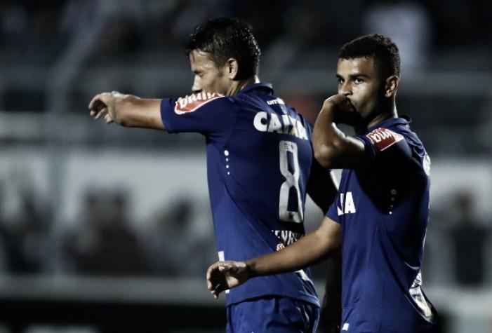 """Henrique destaca intensidade e dedicação do Cruzeiro: """"Tem que ser dessa forma"""""""