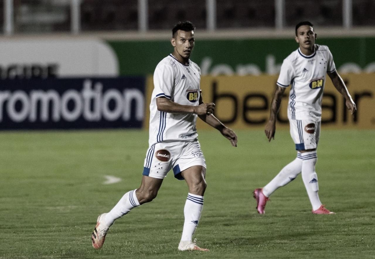 Volante Henrique comemora volta aos gramados, mas lamenta empate do Cruzeiro
