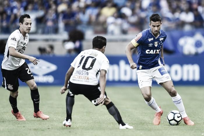 Cruzeiro abre placar, mas sofre empate do Corinthians no fim em primeiro jogo após título