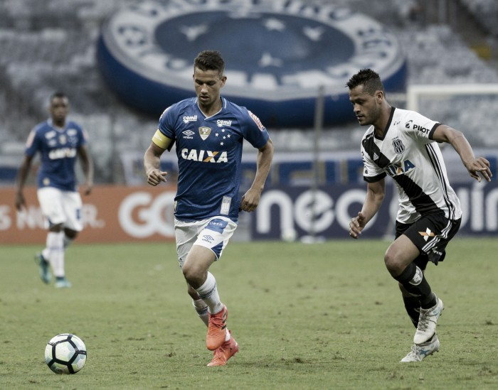"Henrique aponta 'ambiente leve' no Cruzeiro após conquista da Copa do Brasil: ""Fase positiva"""