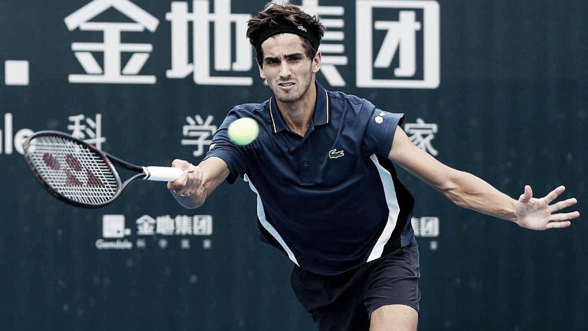 Herbert salva dois match points, elimina De Minaur e vai à decisão em Shenzhen
