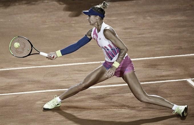 Hercog surpreende Bertens e segue viva no WTA de Roma