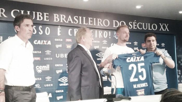 Hermes é apresentado, mira titularidade e promete 'boa dor de cabeça' a Mano Menezes