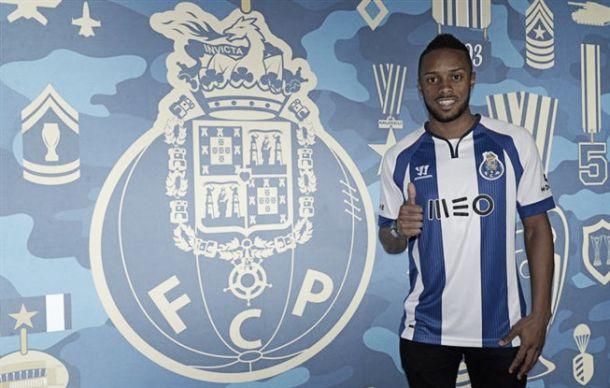 Hernâni agita mercado e assina pelo FC Porto