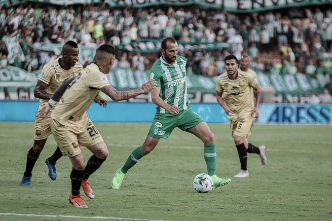 Hernán Barcos no continuará en Atlético Nacional