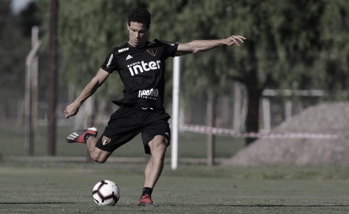 Por conta de tendinite, Hernanes é desfalque no treino do São Paulo
