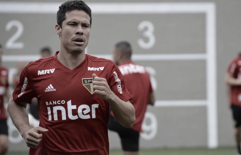 Recuperado de tendinite, Hernanes volta a treinar no São Paulo