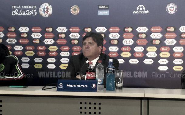 """Herrera: """"Me preocupa todo el equipo, no solo Alexis"""""""