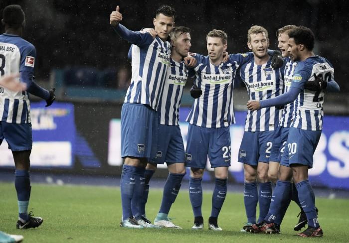 Com dois de Kalou, Hertha Berlin derrota Hannover e encerra sequência negativa