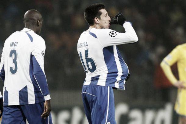 Héctor Herrera guía al Porto a Octavos de Champions League