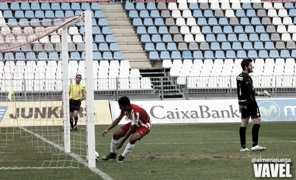 El Almería B rozó la épica