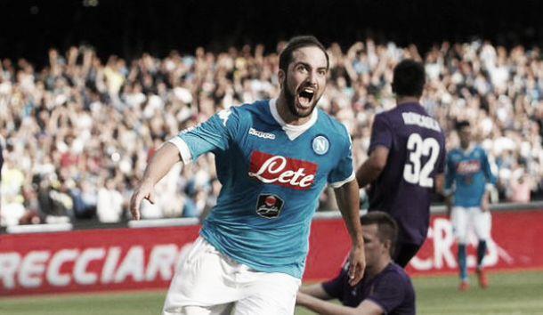 Napoli - Fiorentina finisce 2 a 1. Ora la Viola dista tre punti