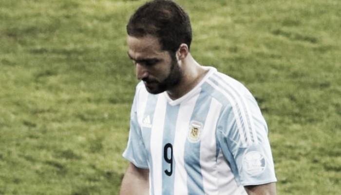 La tiró afuera: Higuaín se bajó de la Selección