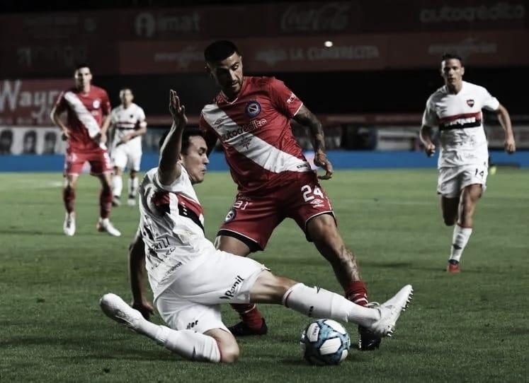 Argentinos Juniors abajo en el historial