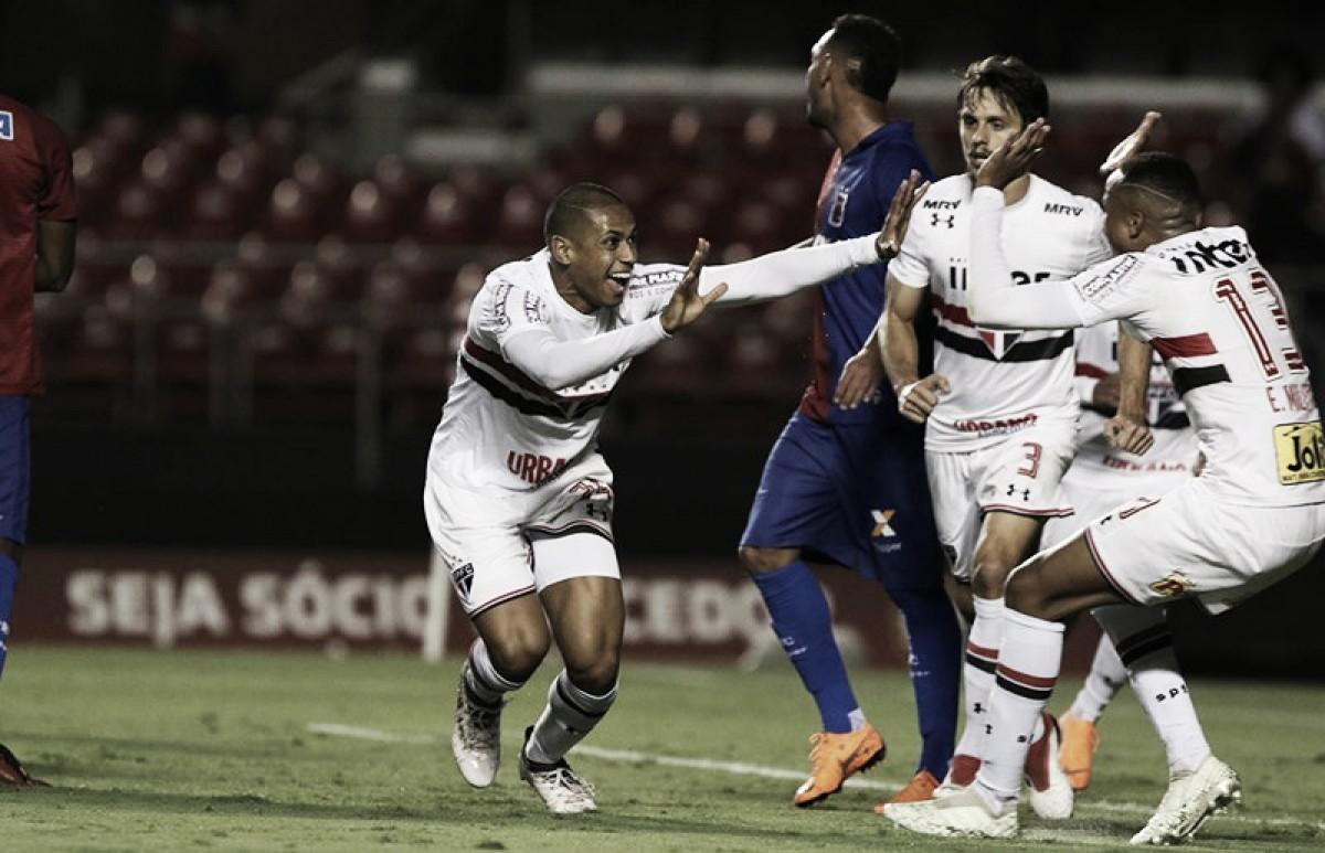 """Bruno Alves celebra gol da vitória do São Paulo na estreia do Brasileirão: """"Meu presente"""""""