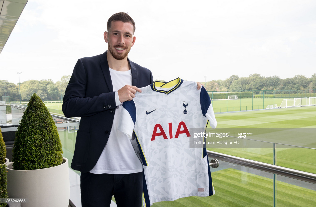 Tottenham announce the signing of Pierre-Emile Højbjerg