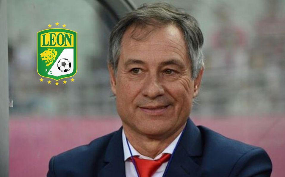 León oficializa a Ariel Holan como nuevo DT