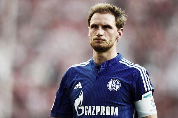 Benedikt Höwedes will remain Schalke captain
