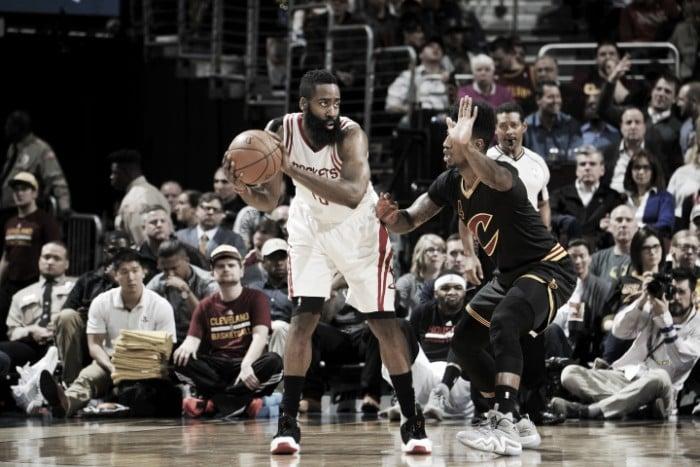 Nba, i Rockets approfittano dell'assenza di LeBron per sbancare Cleveland (100-106)