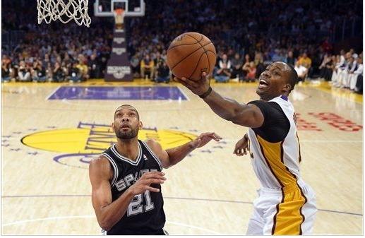 Mesmo sem Kobe, Lakers derrota Spurs