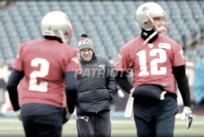 Con Brady tocado de su mano derecha, ¿deberá jugar Hoyer?