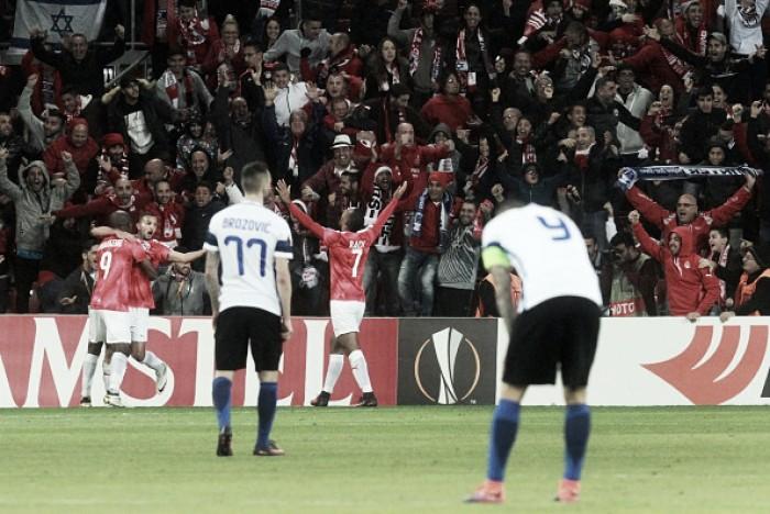 Inter sofre virada do israelense Hapoel e é eliminada da Europa League na fase de grupos