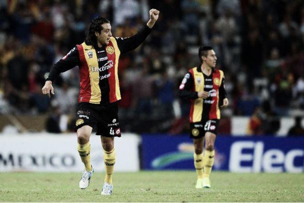 Héctor Reynoso seguirá en Leones Negros
