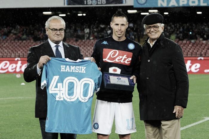 Caminho para a idolatria: Hamsík estende contrato com Napoli até 2020