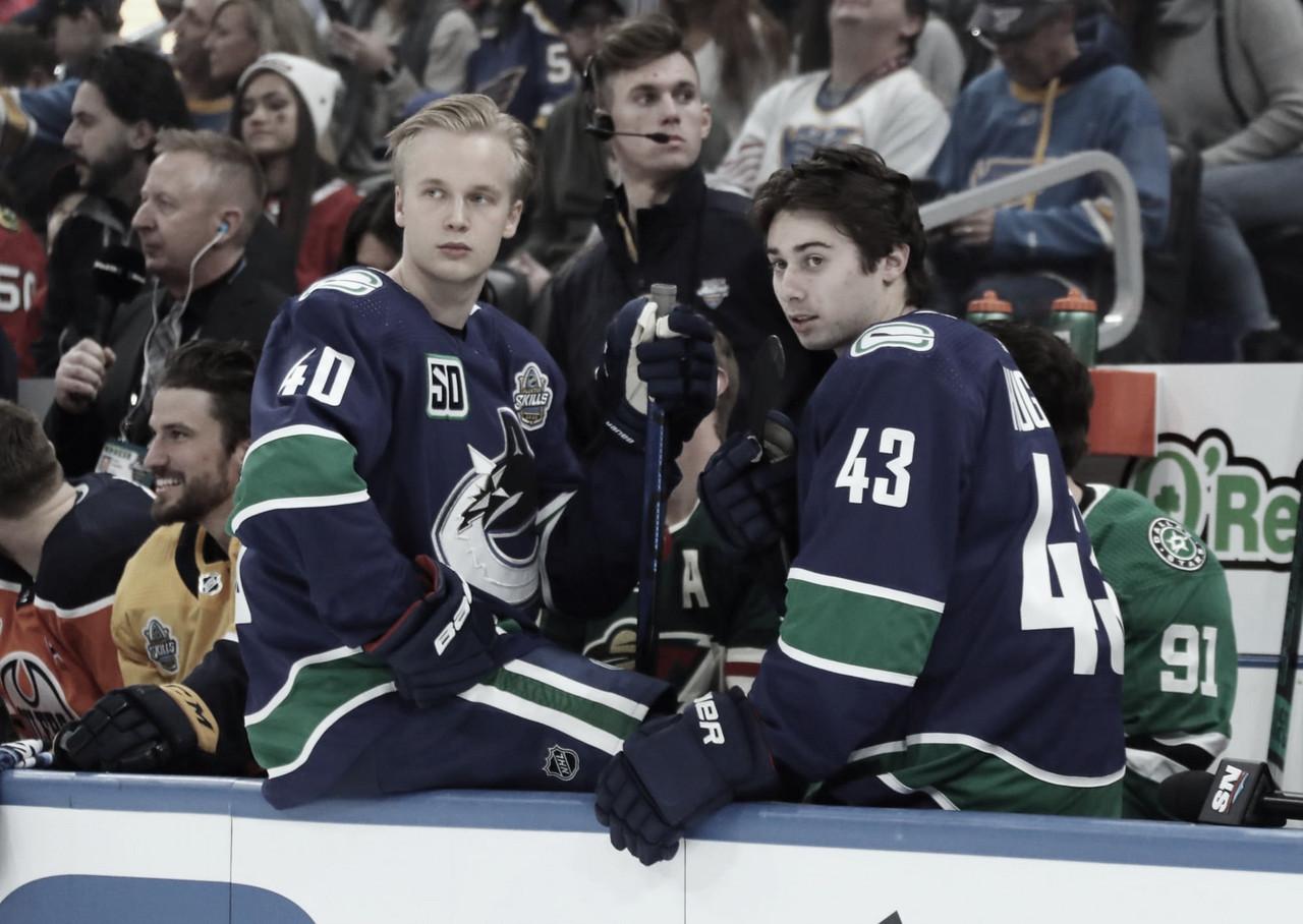 Quinn Hughes y Elias Petterson siguen sin contrato en Vancouver