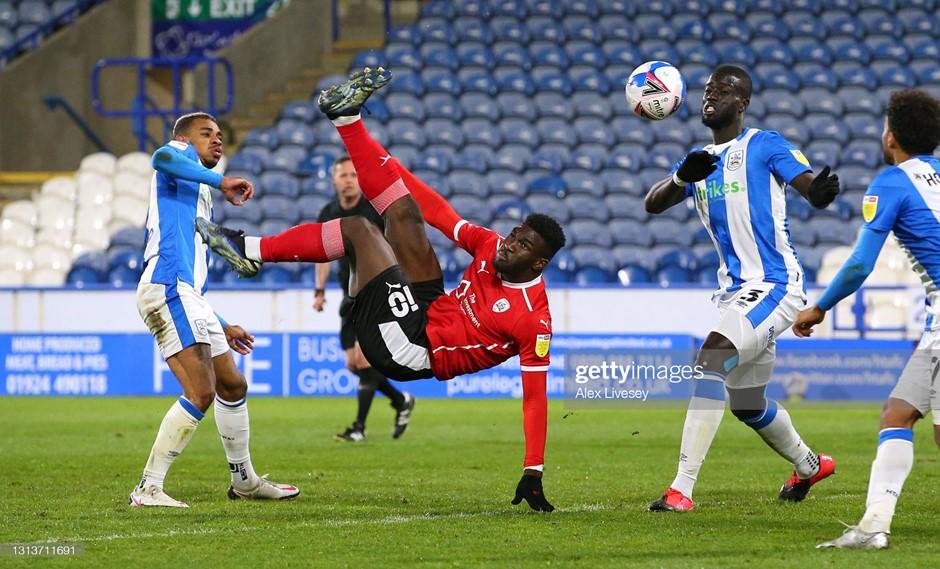 Huddersfield Town 0-1 Barnsley: Dike keeps Reds flying