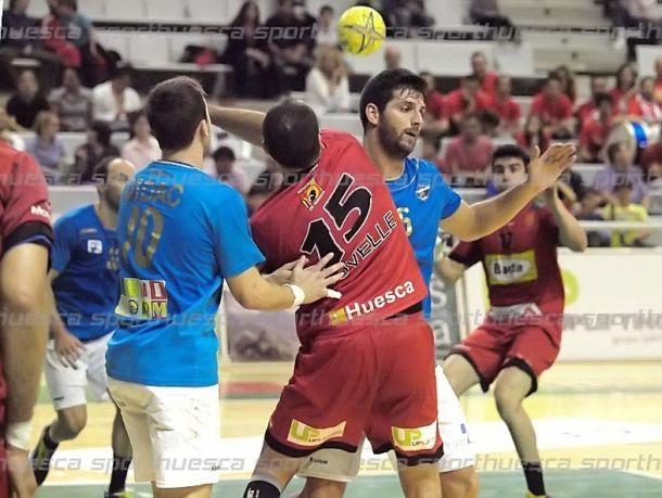 El BADA Huesca acaba con la racha del BM Benidorm