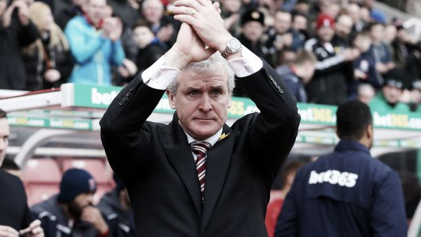 """Mark Hughes: """"Sólo hubo un equipo que trató de ganar el partido"""""""