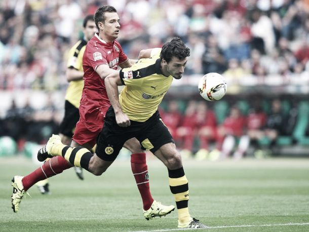 Hannover 96 2-4 Borussia Dortmund: Six goal thriller sees BVB stay top