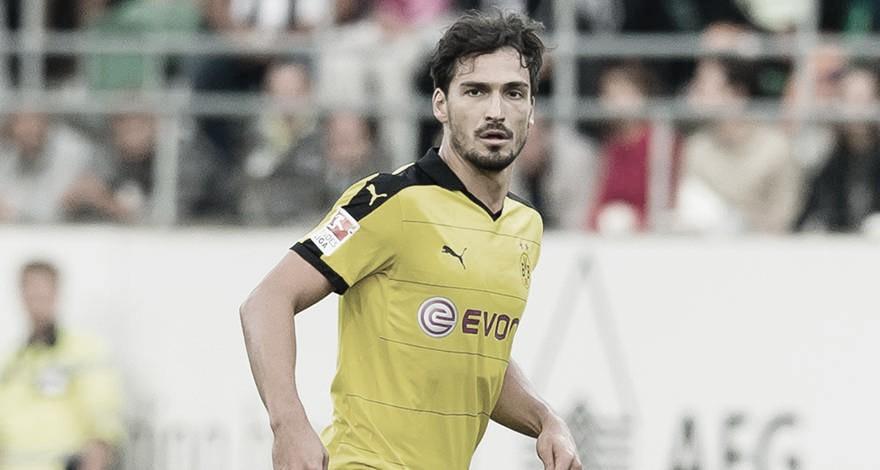Após três anos no Bayern de Munique, Hummels retorna ao Borussia Dortmund